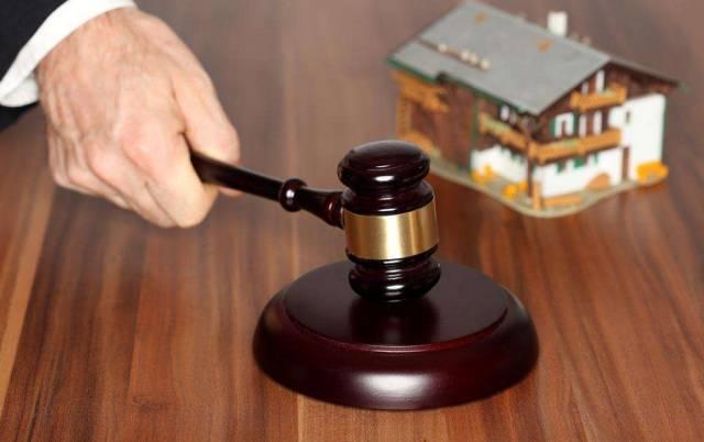 借钱不还,法院可以单方拍卖房产吗?